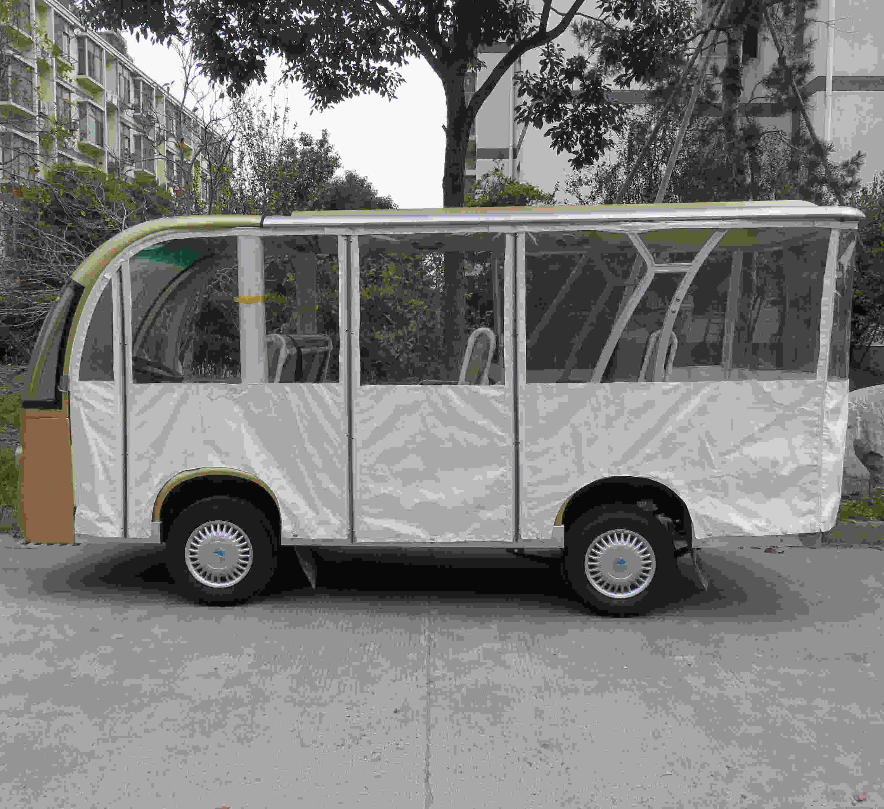 Eight Seat Electric Shuttle Bus Passenger Carrier